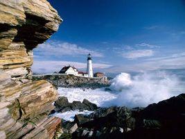 Бесплатные фото побережье,скалы,камни,маяк,дома,море,волны