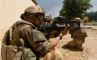 Бесплатные фото отряд,спецназ,бойцы,солдаты,амуниция,автоматы