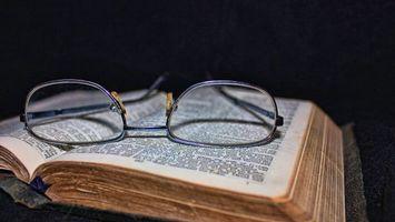 Бесплатные фото книга,страницы,буквы,очки