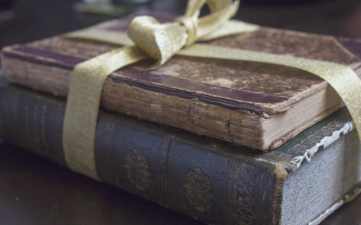 Фото бесплатно книги, ленточка, бантик - на рабочий стол