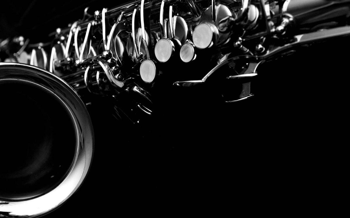 Обои саксофон, труба, клавиши картинки на телефон