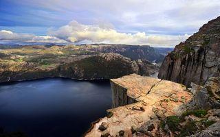 Фото бесплатно горы, камни, скалы, рекка, ннебо, облака