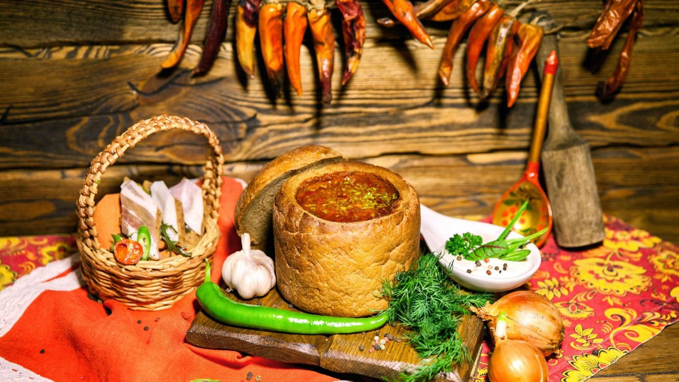 Фото бесплатно лук, чеснок, хлеб, борщ, сало, укроп, перец, блюда, еда