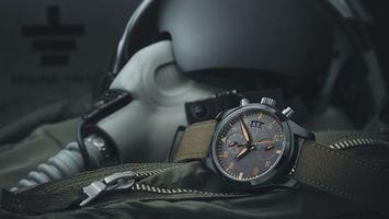 Обои шлем пилота, часы, ремешок, циферблат, стрелки, куртка, замок