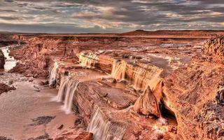 Бесплатные фото песчаник, камни, обрыв, река, водопад, небо, облака