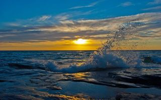 Фото бесплатно горизонт, море, брызги