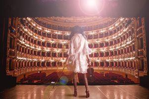 Фото бесплатно театр, девушка, скрипка