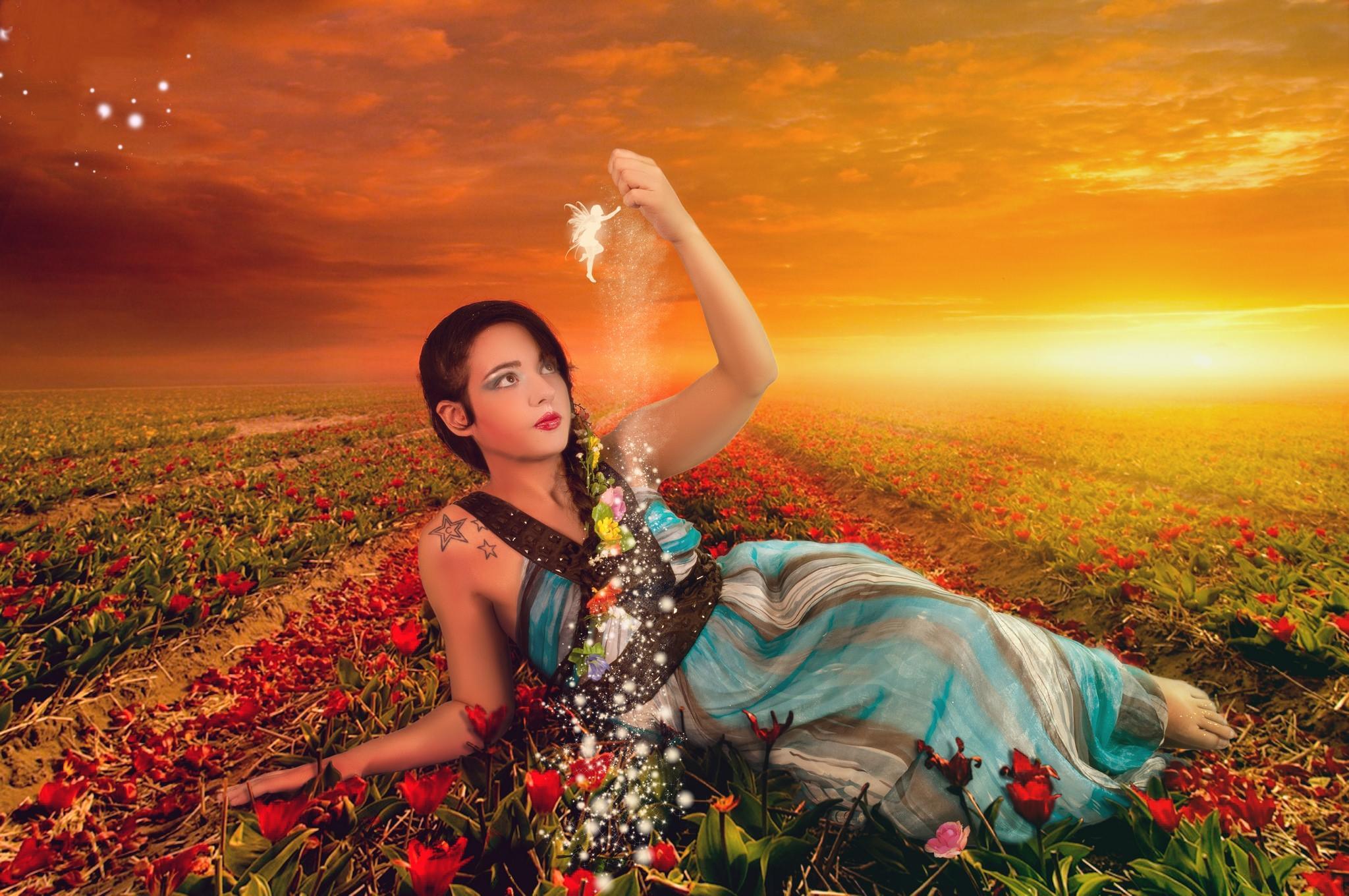 обои закат, поле, цветы, девушка картинки фото