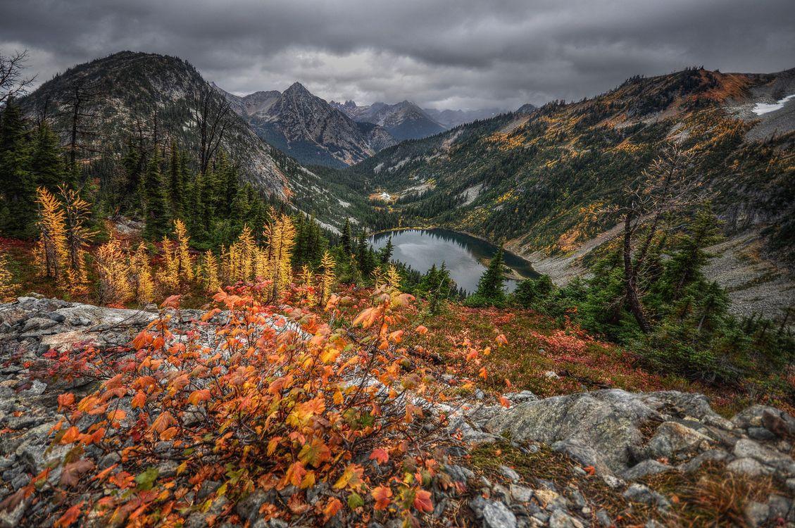 Free photo mountains, autumn, lake - to desktop