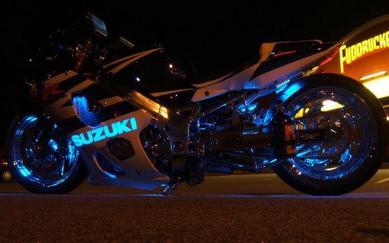 Фото бесплатно сузуки, спортбайк, ночь