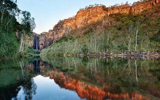 Бесплатные фото река, гладь, отражение, деревья, кустарник, каньон, водопад