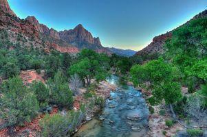 Бесплатные фото Virgin River,Watchman,Zion National Park,река,горы,деревья,пейзаж