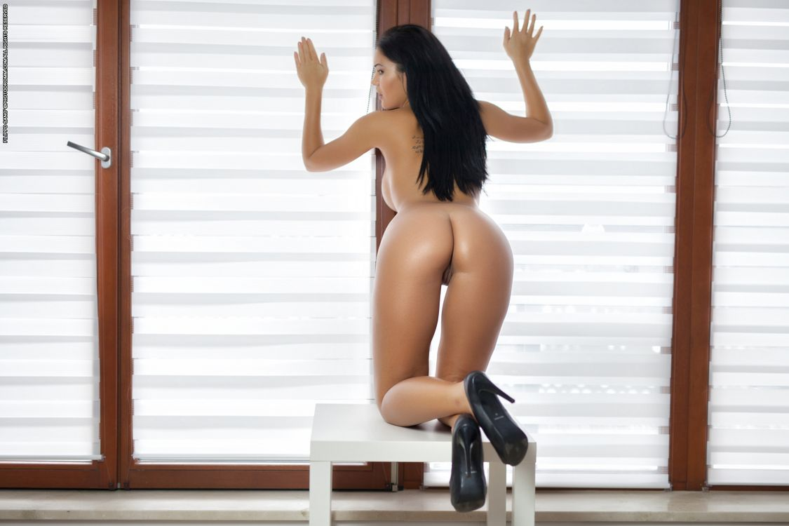 Фото бесплатно Kendra, модель, красотка, голая, голая девушка, обнаженная девушка, позы, поза, сексуальная девушка, эротика, эротика