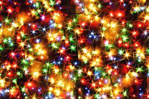 Обои огни, гирлянды, иллюминация, ярко, новогодний фон
