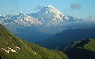 Бесплатные фото горы,трава,вершины,снег,облака,небо