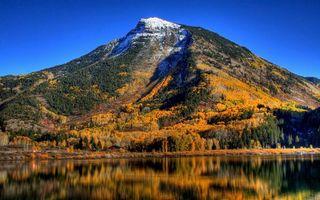 Бесплатные фото осень,озеро,гладь,отражение,гора,деревья,вершина