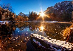 Заставки восход,солнце,лучи,озеро,вода,дно,снег