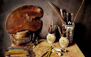 Фото бесплатно стол, вазы, кисточки