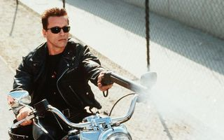 Бесплатные фото терминатор,шварценеггер,мотоцикл,обрез,очки,куртка