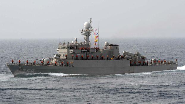 Фото бесплатно корабль, военый, экипаж