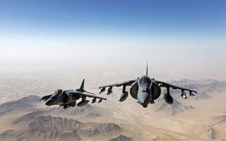Фото бесплатно самолеты, истребители, небо, горы, полет, крылья, ракеты