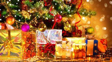 Фото бесплатно Рождество, ёлочные игрушки, ёлка