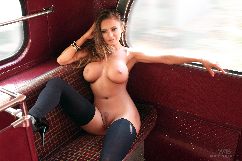 обои Dana Harem, модель, красотка, голая картинки фото