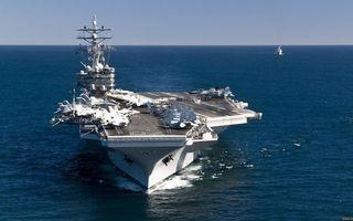 Бесплатные фото авианосец, палуба, самолеты, надстройки, люди, море, корабль сопровождения