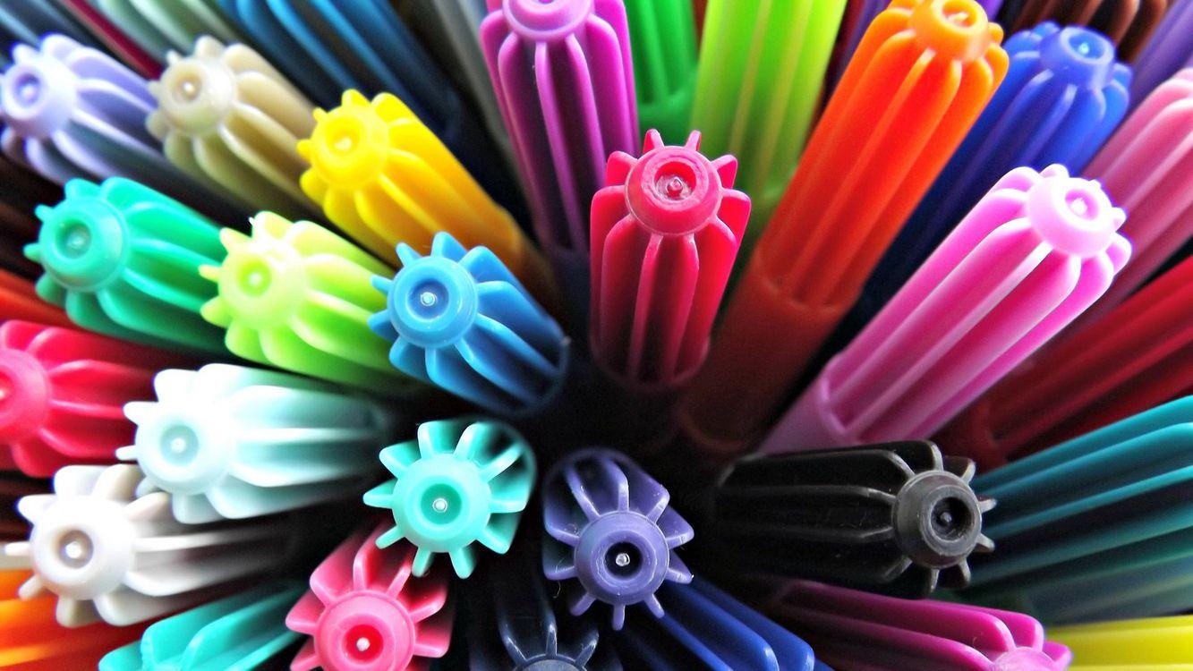 Фото бесплатно фломастеры, колпачки, разноцветные - на рабочий стол