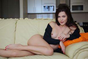 Фото бесплатно Amelie B, красотка, голая, голая девушка, обнаженная девушка, позы, поза, сексуальная девушка, эротика