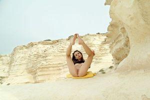 Бесплатные фото Debora A, модель, красотка, голая, голая девушка, обнаженная девушка, позы