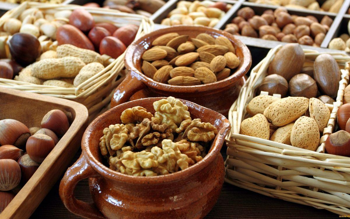 Фото бесплатно орехи, разные, лотки, кружки, корзинки, еда