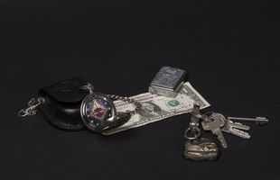 Заставки брелок, ключи, зажигалка, доллар, натюрморт