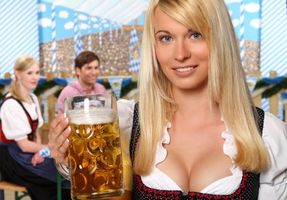 Photo free girl, beauty, beer mug