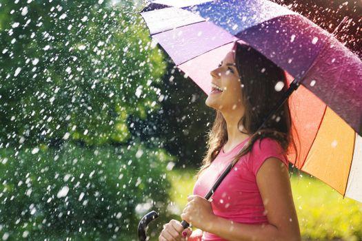 Фото бесплатно прогулка под дождем, зонтик, настроения