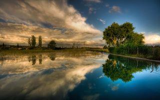 Бесплатные фото река,гладь,отражение,деревья,небо,облака