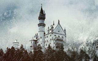 Бесплатные фото горы,деревья,снег,замок,башня,облака