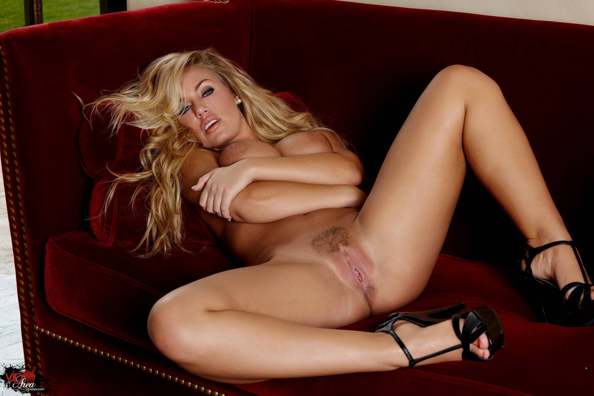eroticheskie-foto-nikol-vaythed
