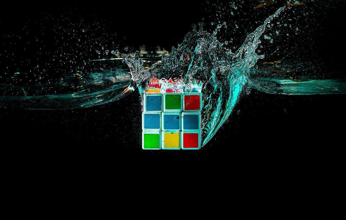 Фото бесплатно кубик руби, кубик рубика, жидкость, брызги, 3d графика