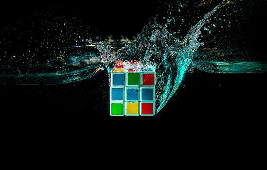Бесплатные фото кубик руби,кубик рубика,жидкость,брызги