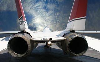 Бесплатные фото самолет,истребитель,хвост,турбины,сопла