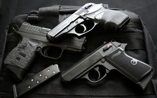 Бесплатные фото пистолеты,оружие,опасность,патроны