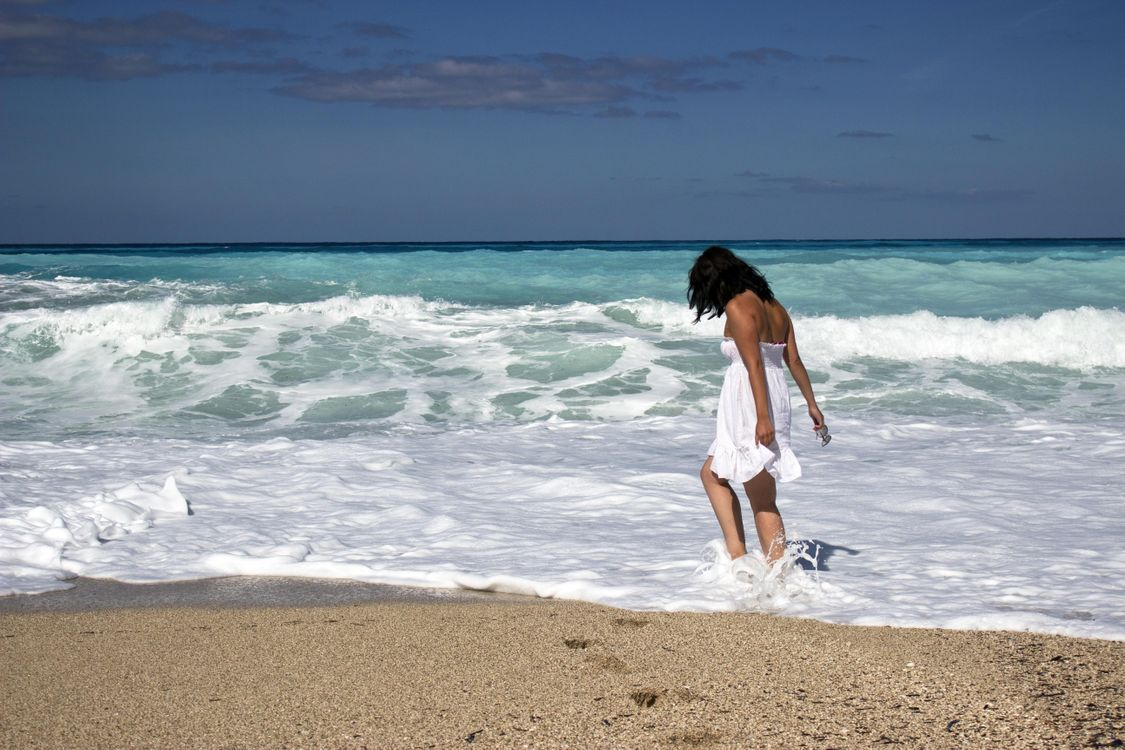 Photos for free waves, girl, mood - to the desktop