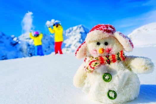 Бесплатные фото снеговик,люди,горы,сугробы
