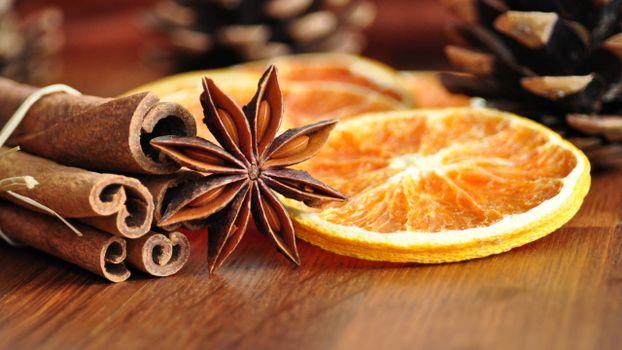 Бесплатные фото специи,палочки ванили,бадьян,дольки апельсина,сухие
