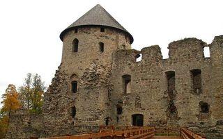 Бесплатные фото крепость,башня,окна,развалины,мост,деревья