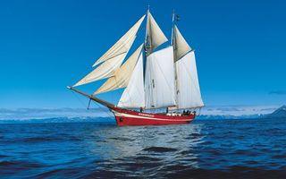 Бесплатные фото море,корабль,красный,мачты,паруса,небо