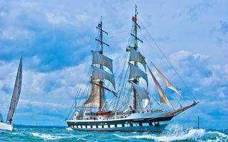 Обои море, волны, корабль, мачты, паруса, яхта