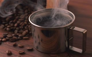 Бесплатные фото кружка,кофе,пар,зерна