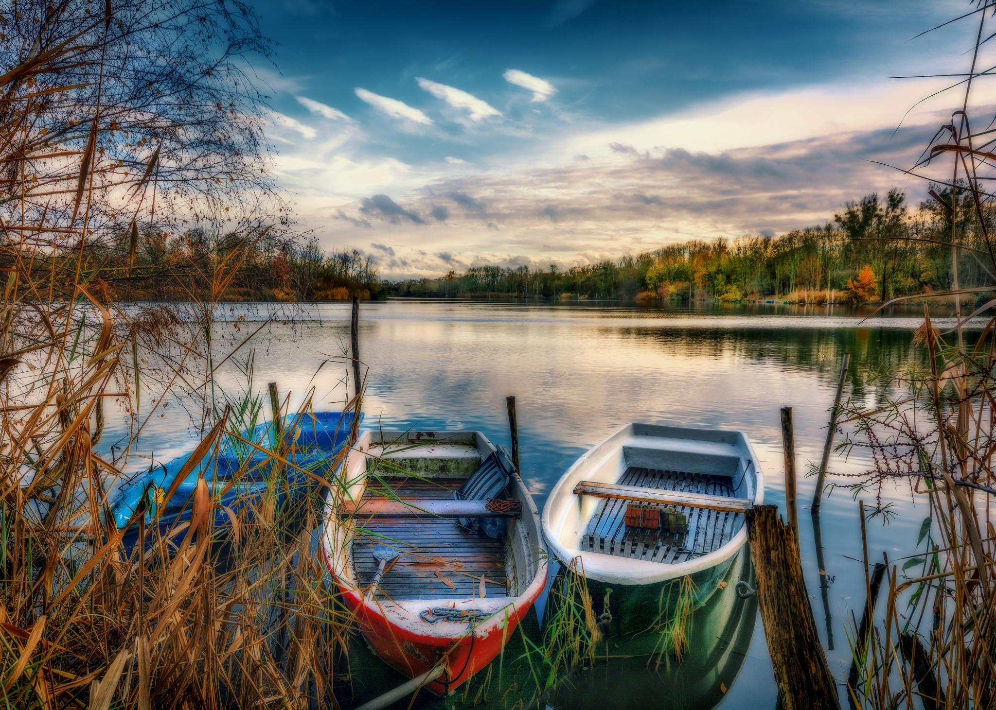 обои закат, озеро, лодки, деревья картинки фото